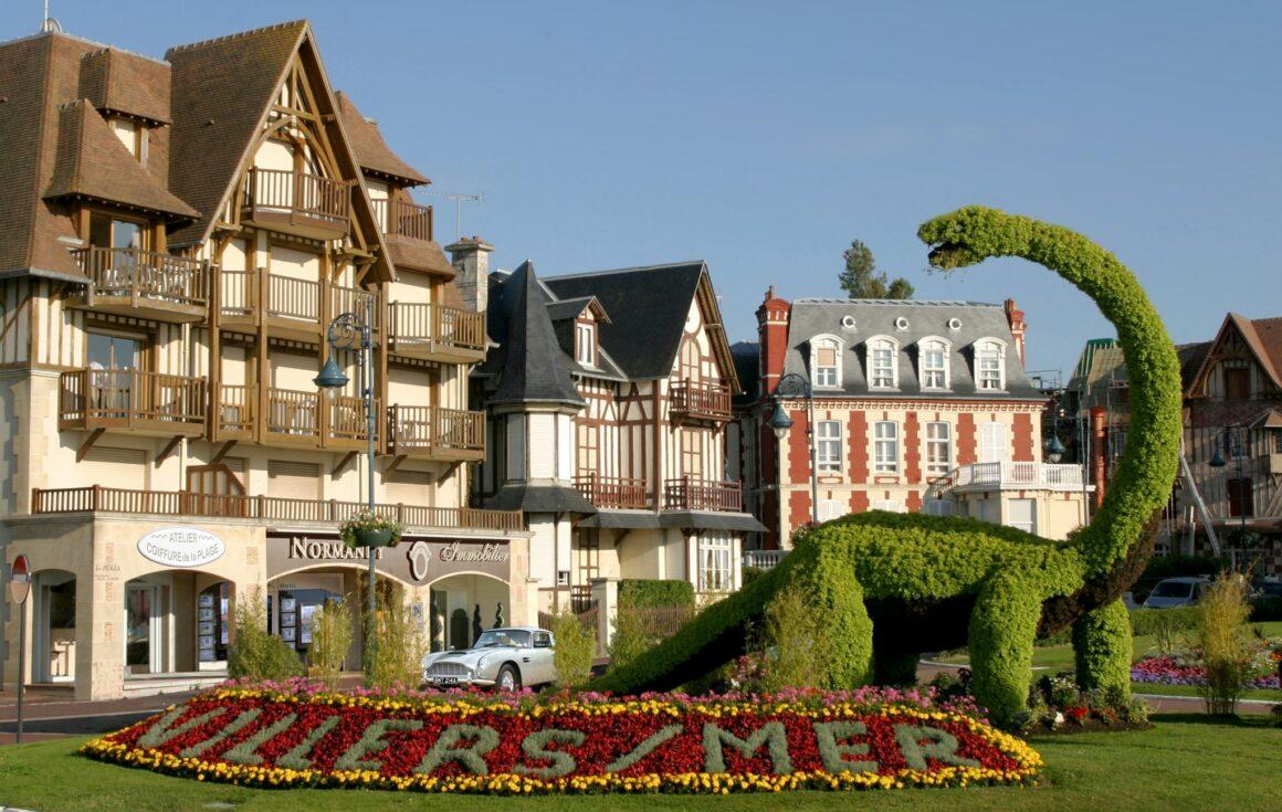 Villers-sur-Mer un été de charme et luxe à la Villa d'Eaux - Adresses Exclusives