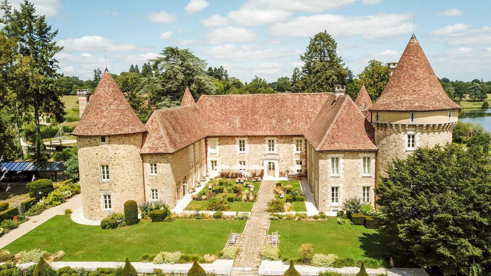 Domaine des Etangs Massignac - Château hôtel de luxe membre de Symboles de France