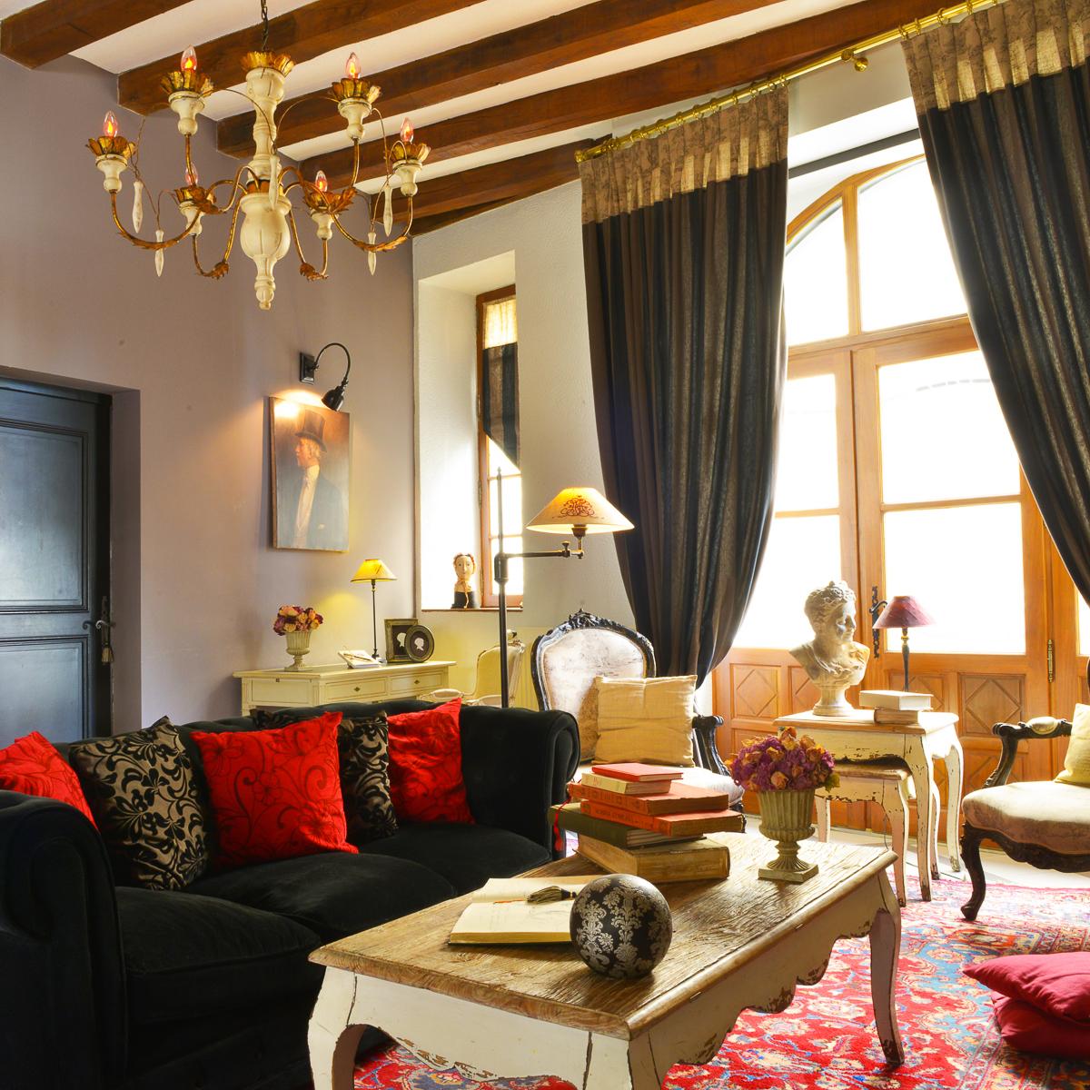Hôtel Saint Pierre - Séjour de luxe à Saumur - Symboles de France