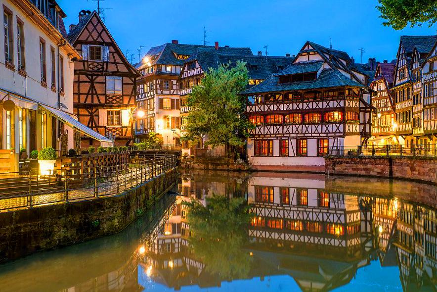 Hôtel & Spa le Bouclier d'Or situé dans le quartier la Petite France, membre de Symboles de France